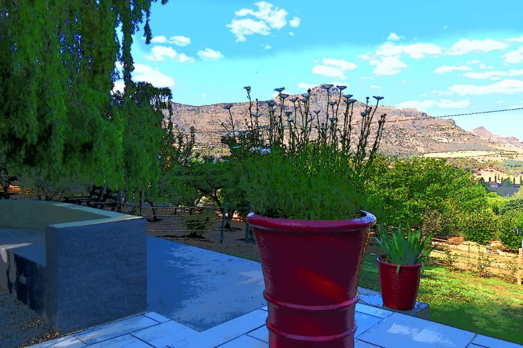 Willow Rest House - View of the Maluti Mountains surrounding the house